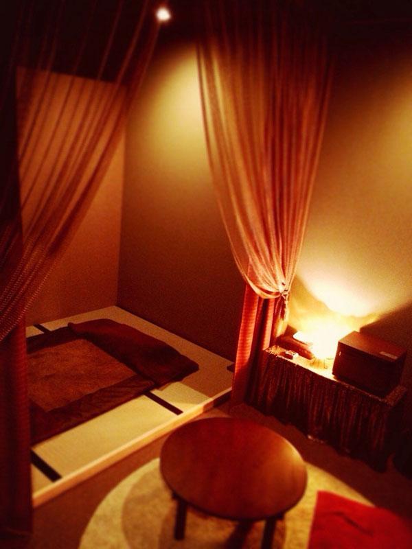 和室でマットのお部屋になります。穴あき枕が苦手な方にオススメです♪
