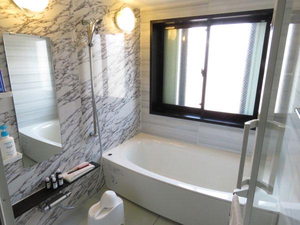 一番広いVIPルームは浴室もあります。